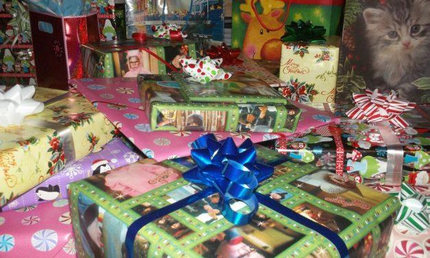 Weihnachtszeit, Geschenkezeit. Fünf Tipps zur richtigen Entsorgung von Geschenkverpackungen