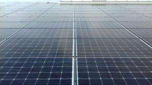 Photovoltaikanlagen bestehen aus Solarzellen