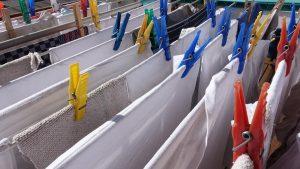Wäsche von der Luft trocknen lassen